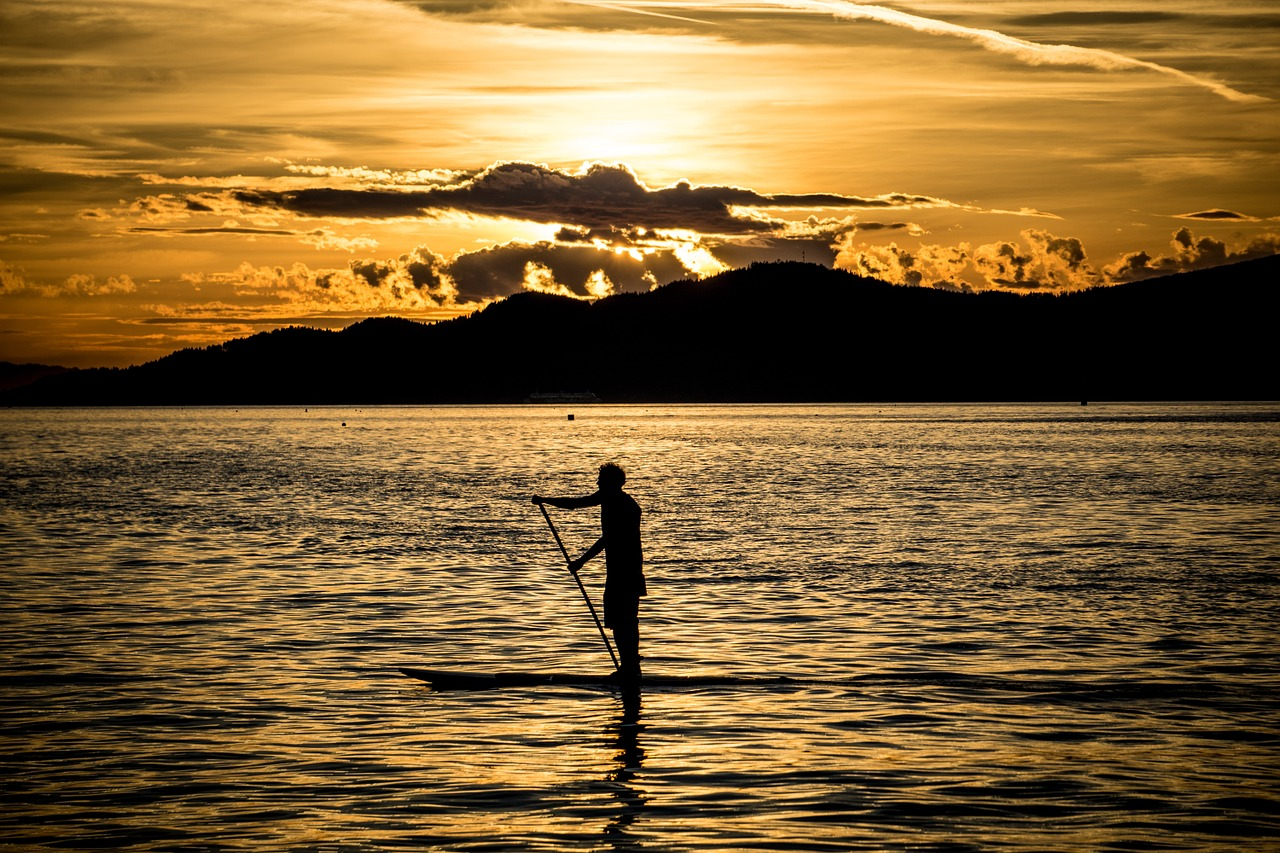 SUP- Stand up paddling